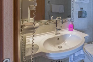 double studio anassa hotel bathroom facilities