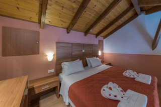 maisonette studio anassa hotel double bed